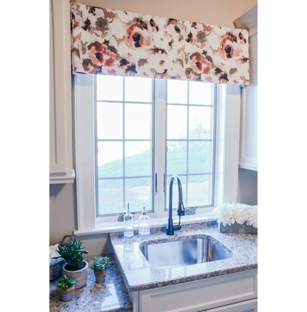 Willow Bloom Floral Splash Rosey Valance